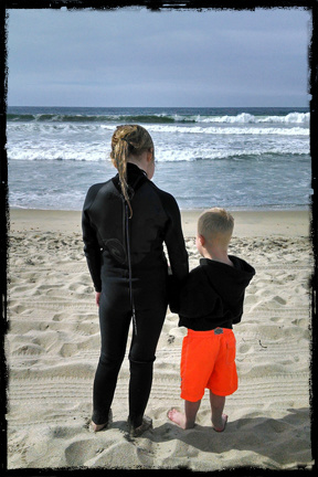 treyton and lindyn on beach